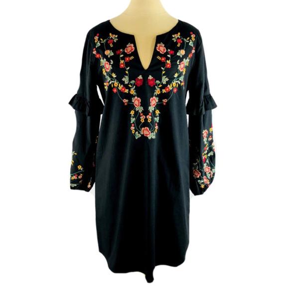 BRAVE Dresses & Skirts - BRAVE Long Sleeve Blk Dress w Embroidered Flowers